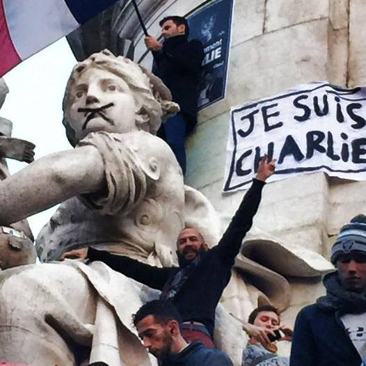 Me on the Statue of Marian,Je suis Charlie